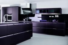 Образец стиля – кухня в тёмных тонах